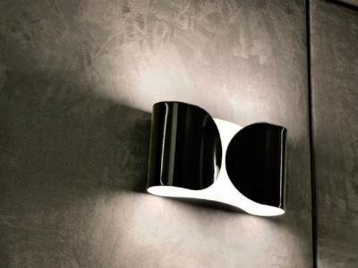 flos-foglio-wandleuchte-schwarz-ambiente